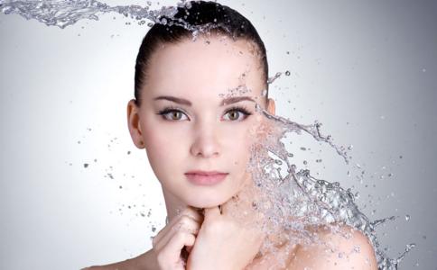 冬季如何防止皮肤过敏 冬季容易过敏的原因 敏感肌肤护理方法