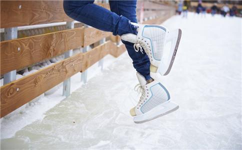 溜冰有什么技巧 溜冰有什么好处 溜冰注意事项