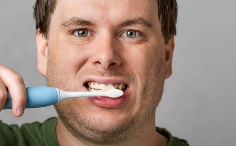 怎么美白牙齿 怎么让牙齿变白 让牙齿变白的方法有哪些