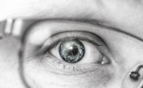 白内障的症状 怎么判断白内障 白内障有哪些表现