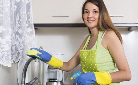 家庭主妇冬季护手方法 双手的护理方法 冬季如何保养双手