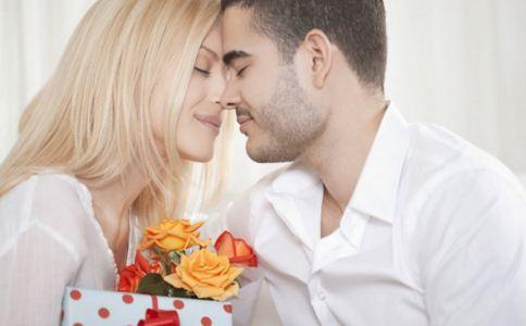 男人爱你的表现 男人爱一个女人的表现 女人怎么知道一个男人爱不爱你