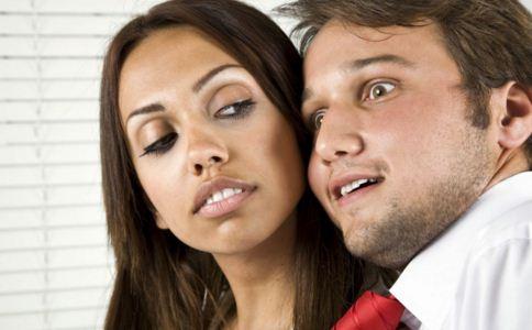 女人出轨后的表现 是谁在诱惑女人出轨 女人出轨的原因