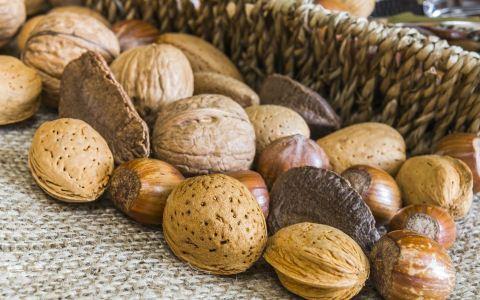 网上不合格坚果炒货食品有哪些 怎么挑选优质坚果 如何才能放心购买坚果