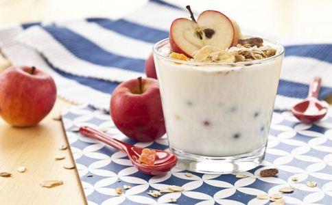 产后喝酸奶好吗 坐月子可以喝酸奶吗 喝酸奶的好处有哪些