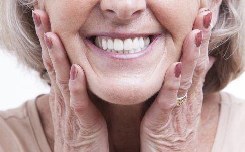 老人如何做好口腔卫生 老年人怎么保健口腔 老人保健口腔的方法