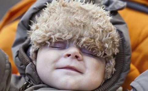 冬天宝宝要涂护肤品吗 宝宝需要涂护肤品吗 冬天宝宝要护肤吗