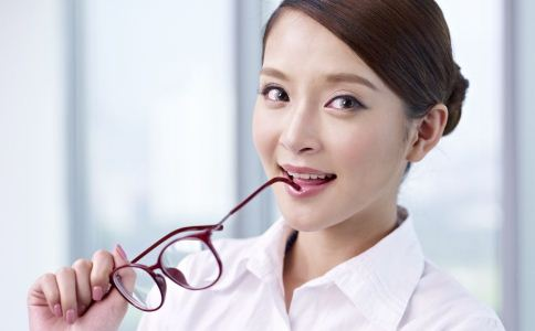 冬季如何保护眼睛 冬季护眼方法 保护眼睛吃什么好