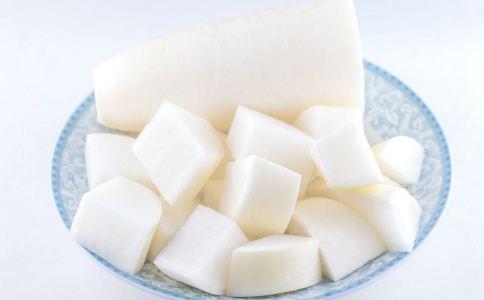冬季咳嗽吃什么食疗方 冬季治疗咳嗽吃什么 咳嗽吃什么食疗好