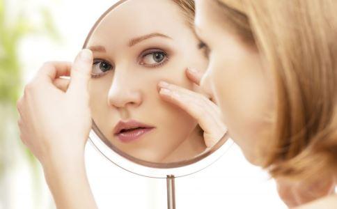 脸上斑越来越多怎么办 祛斑方法有哪些 脸上长斑的原因