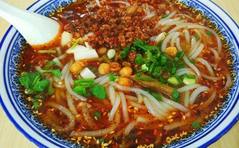 米线好吃吗 吃米线的注意事项 米线的做法