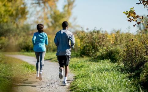 冬季汗蒸可以减肥吗 最适合冬季的瘦身方法 冬季怎么减肥效果最好