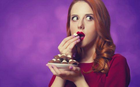 女生喜欢吃零食的原因 女生为什么喜欢吃零食 女生喜欢吃零食有哪些原因