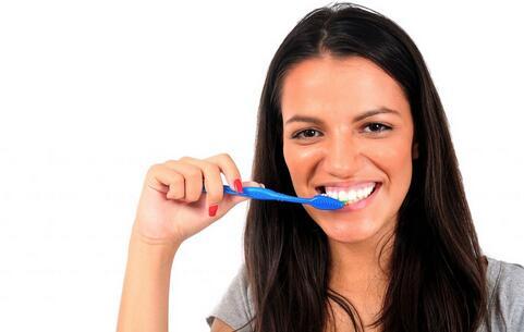 美白牙齿的食物 哪些食物美白牙齿 买白牙齿吃什么食物