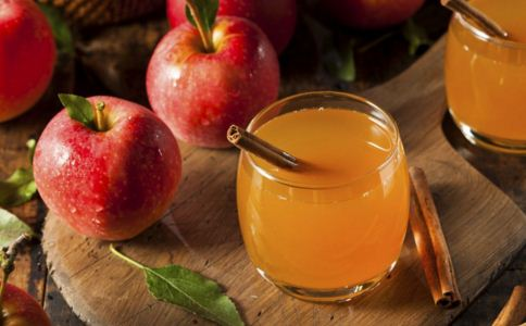 女人喝苹果醋的好处 喝苹果醋的功效 苹果醋什么时候喝好