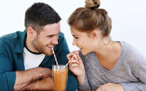 男生对女生有好感的变现 怎么知道男生对自己有没有好感 两性交往