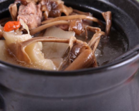 孕期防治感冒食谱 茶树菇鸡肉汤的做法 茶树菇鸡肉汤