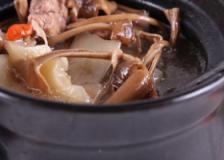 孕期防治感冒食谱,茶树菇鸡肉汤的做法,茶树菇鸡肉汤