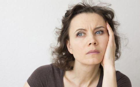 子宫内膜增厚有哪些表现 绝经期子宫内膜增厚是什么原因 绝经期子宫内膜增厚怎么办
