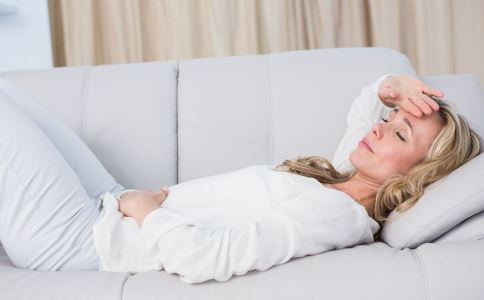女性为什么会得疝气 女性疝气有哪些症状 女性疝气怎么治疗