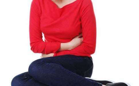 女性经期血崩是怎么回事 女性子宫肌瘤有哪些症状 女性子宫肌瘤做哪些检查