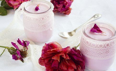 酸奶可以加热吗 女性喝酸奶的好处 酸奶的营养价值