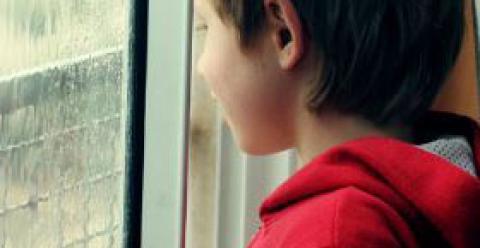 孩子遭受家暴 孩子遭受校园暴力 如何辨别孩子被欺负