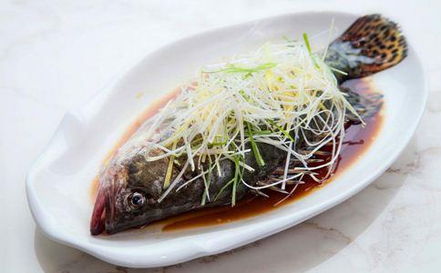 吃鱼的好处 清蒸鱼的做法 清蒸鱼怎么做好吃
