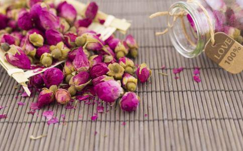 女性内分泌失调的症状 女性内分泌失调喝什么茶调理 玫瑰花茶的泡法
