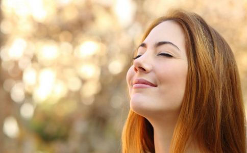女人如何笑得好看 女人笑一笑有什么好处 女人如何练习微笑
