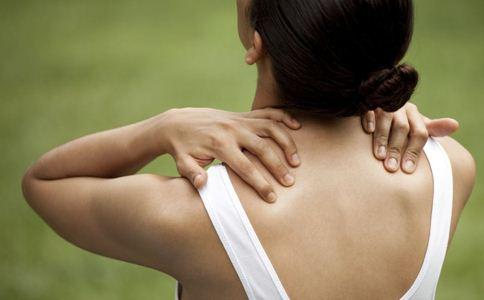 颈纹怎么消除 颈部的保养方法 去除颈纹的方法