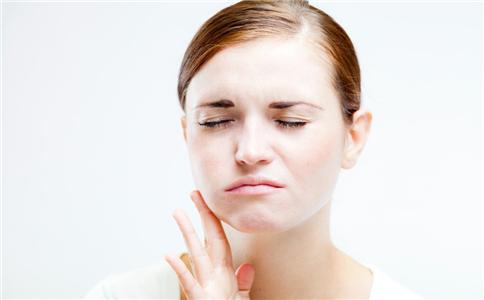 牙龈肿胀怎么办 牙龈肿痛怎么治疗 治疗牙龈肿胀的方法