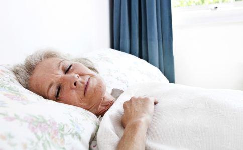 老人怎么午休好 老人午休的方法 老人午休的好处有哪些