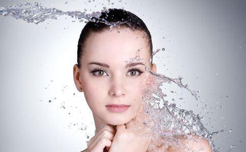 皮肤粗糙如何保养 皮肤粗糙怎么保养 年龄变大后如何保养皮肤