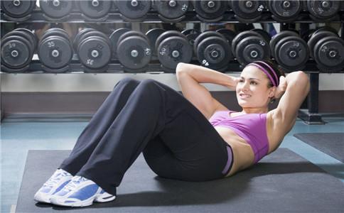 怎么练出川字腹 腹肌怎样锻炼 锻炼腹肌的动作