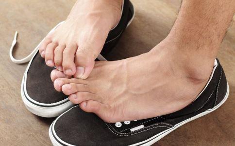 阴道炎久治不愈怎么回事 脚气与妇科疾病有关系吗 治疗脚气的偏方有哪些