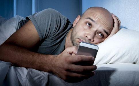 连续通宵玩手机致瘫痪 通宵玩手机致瘫痪 如何健康玩手机