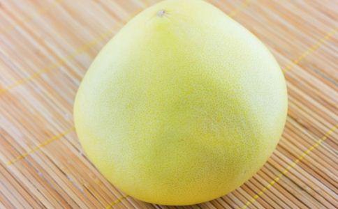 柚子和药物同吃会猝死 柚子的功效有哪些 柚子有何功效