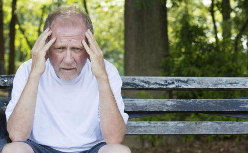 血液粘稠的症状与表现 老人血液过于粘稠的症状 血液粘稠吃什么好