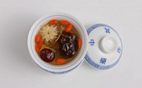 红枣的功效 红枣的吃法 红枣怎么吃最好