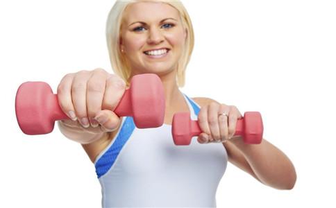 女性锻炼手臂 女性如何锻炼手臂 锻炼手臂注意事项