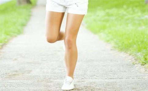 如何训练弹跳力 训练弹跳力的动作 怎样练好弹跳力