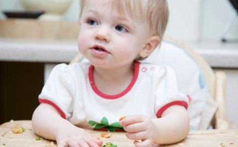 宝宝打喷嚏是什么原因 宝宝打喷嚏怎么办 如何预防宝宝打喷嚏