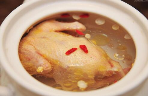 冬季怕冷的原因 冬季怕冷吃哪些食物好 冬季怕冷如何进补