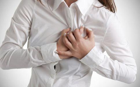 乳房有硬块正常吗 如何自检乳房 乳房自检的方法