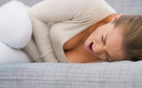 胃炎会引发什么并发症 胃炎的并发症有哪些 胃炎患者的注意事项有哪些
