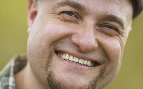 导致牙齿变黄的原因有哪些 怎么美白牙齿 牙齿该怎么美白