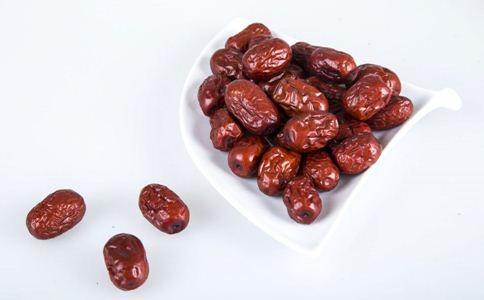 红枣的食用方法 红枣的营养价值 吃红枣的好处