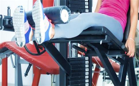 怎么练习大腿肌肉 大腿肌肉锻炼方法 如何拉伸大腿肌肉
