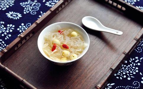 银耳汤的做法 银耳的营养价值 银耳怎么做好吃